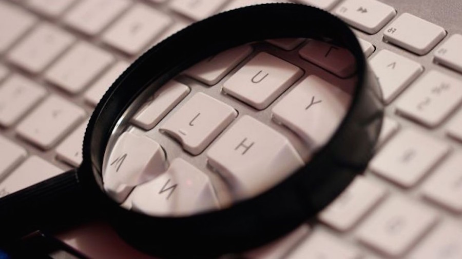 magnifying glass computer