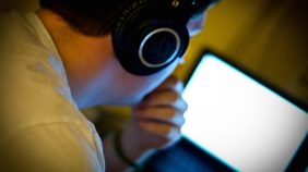 Trabajo en primera línea digital, ¿cómo puedo protegerme de los contenidos traumáticos?